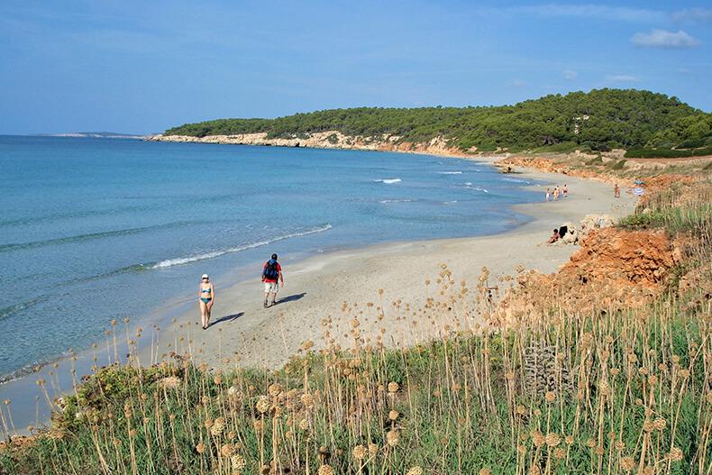 Playa de Binigaus - Addaia Charters Menorca