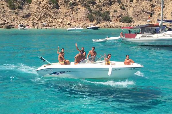 Quienes Somos en Addaia Charters - Alquiler de embarcaciones en Menorca